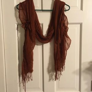 Scarf with Gathering and Fringe Ends